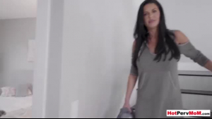 Veronica Avluv big boobed brunette temptress sucks dick and gets fucked in the van